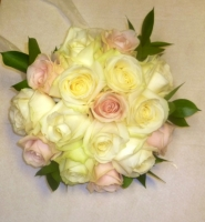 BR2 PINK AND IVORY ROSE HAND TIED