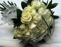 BR1 IVORY ROSE HAND TIED